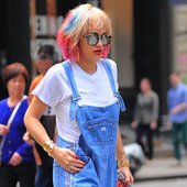 Rita Ora cheveux multicolores = le flop - Absoluliss Lissage Brésilien - Blog Officiel